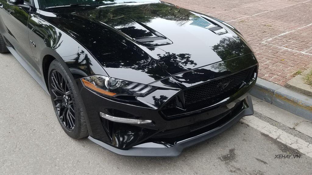 """Bắt gặp bộ đôi """"cơ bắp Mỹ"""" Camaro SS 2010 và Ford Mustang GT 5.0 Performance Package 2019 trên phố Hà Nội - Hình 5"""