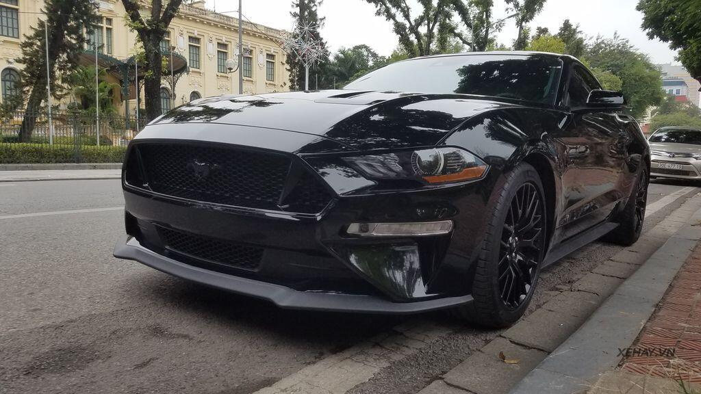"""Bắt gặp bộ đôi """"cơ bắp Mỹ"""" Camaro SS 2010 và Ford Mustang GT 5.0 Performance Package 2019 trên phố Hà Nội - Hình 6"""