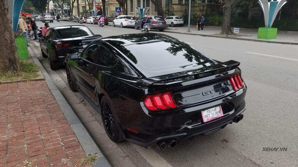 """Bắt gặp bộ đôi """"cơ bắp Mỹ"""" Camaro SS 2010 và Ford Mustang GT 5.0 Performance Package 2019 trên phố Hà Nội - Hình 8"""