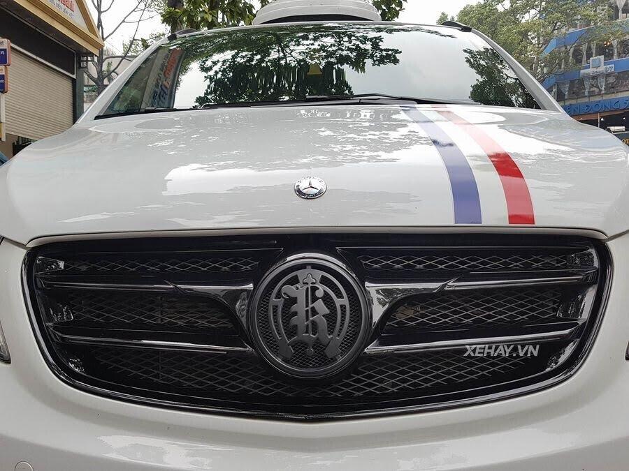 """Bắt gặp Mercedes-Benz V 250 độ """"khủng"""" của đại gia Minh Nhựa trên phố - Hình 2"""
