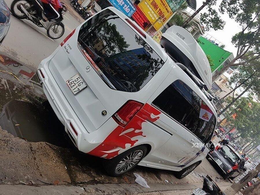 """Bắt gặp Mercedes-Benz V 250 độ """"khủng"""" của đại gia Minh Nhựa trên phố - Hình 3"""