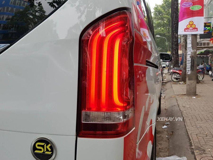 """Bắt gặp Mercedes-Benz V 250 độ """"khủng"""" của đại gia Minh Nhựa trên phố - Hình 13"""