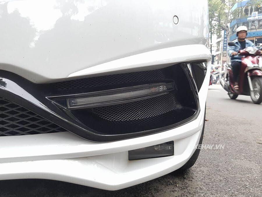 """Bắt gặp Mercedes-Benz V 250 độ """"khủng"""" của đại gia Minh Nhựa trên phố - Hình 16"""