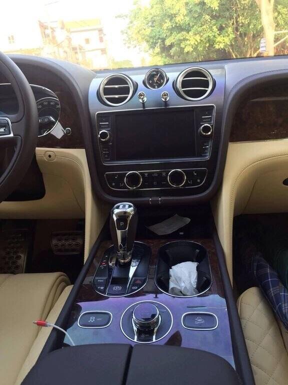 Bentley Bentayga 2017 - SUV nhanh nhất, sang trọng bậc nhất - Hình 13