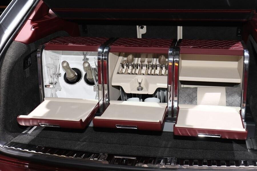Bentley đã tận dụng tài năng của Philippe Starck để thiết kế bộ sạc cho Bentayga Hybrid - Hình 9