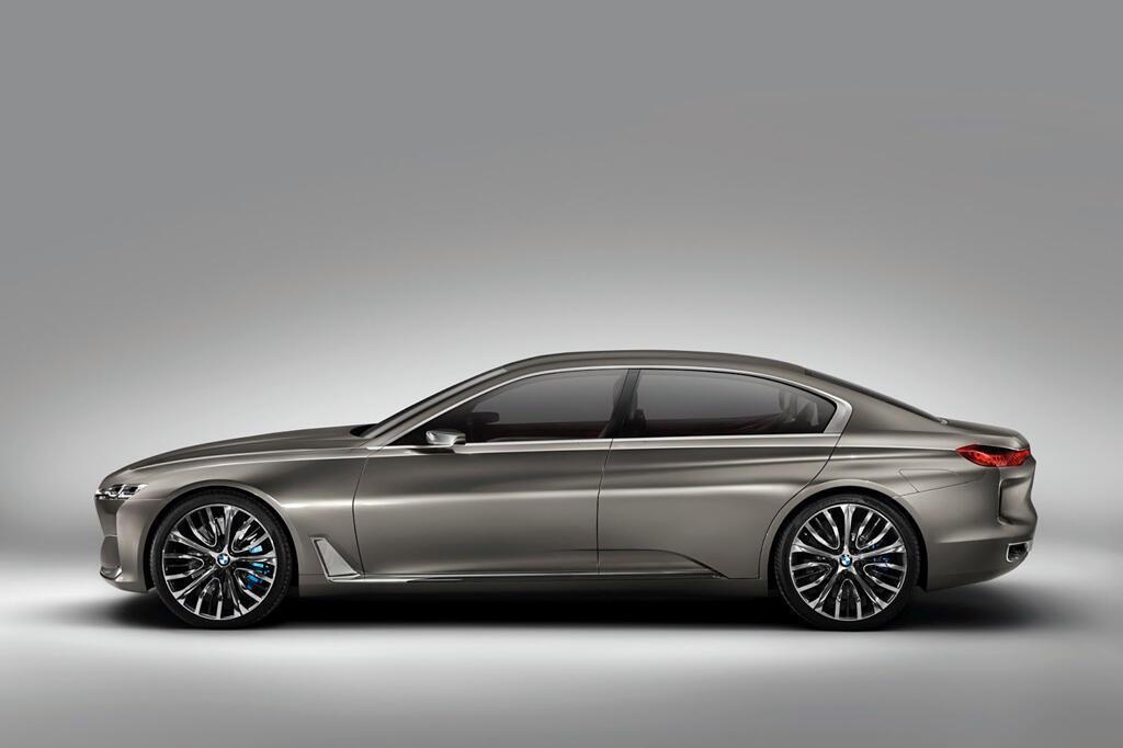 BM hé lộ dòng 9 Series, cạnh tranh với Mercedes-Maybach - Hình 2