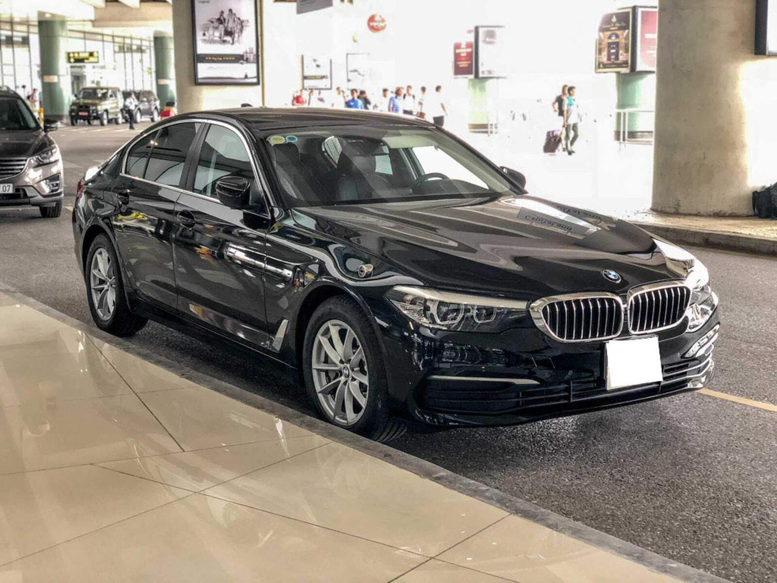 BMW 5 Series thế hệ hoàn toàn mới xuất hiện tại Hà Nội - Hình 1