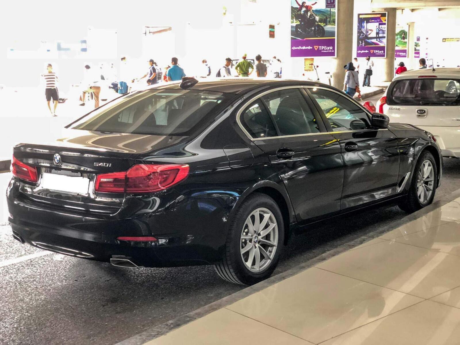 BMW 5 Series thế hệ hoàn toàn mới xuất hiện tại Hà Nội - Hình 2