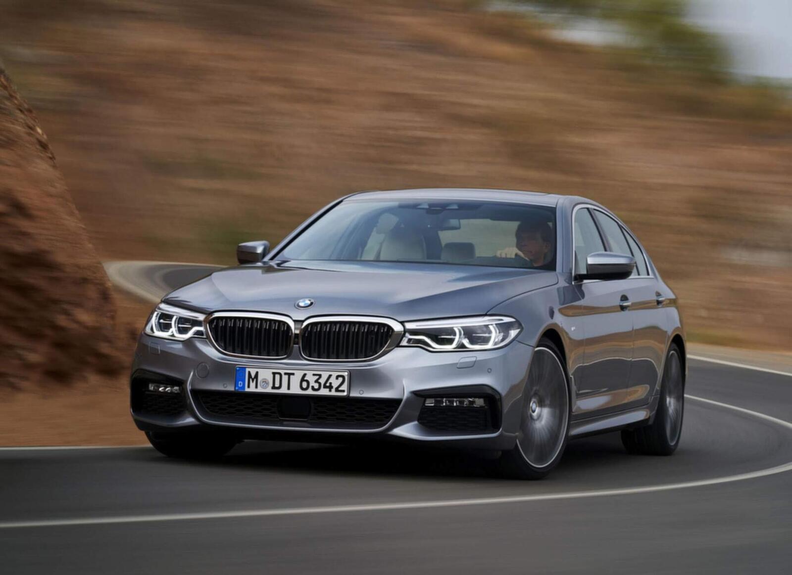 BMW 5 Series thế hệ hoàn toàn mới xuất hiện tại Hà Nội - Hình 5