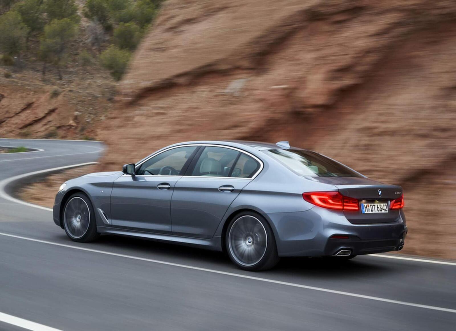 BMW 5 Series thế hệ hoàn toàn mới xuất hiện tại Hà Nội - Hình 7