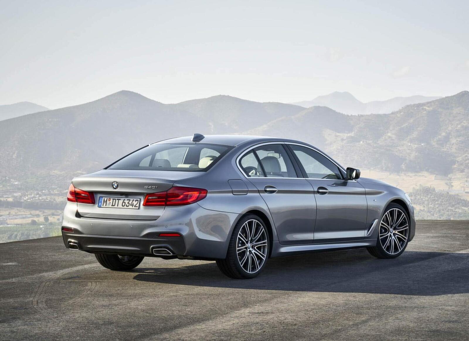 BMW 5 Series thế hệ hoàn toàn mới xuất hiện tại Hà Nội - Hình 10