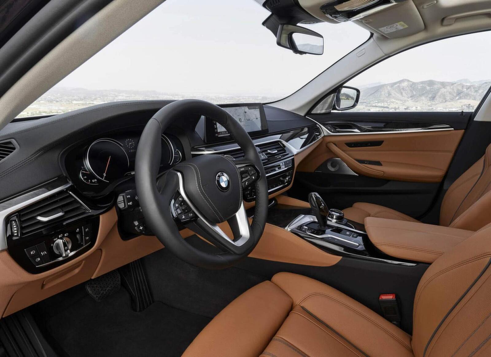 BMW 5 Series thế hệ hoàn toàn mới xuất hiện tại Hà Nội - Hình 13