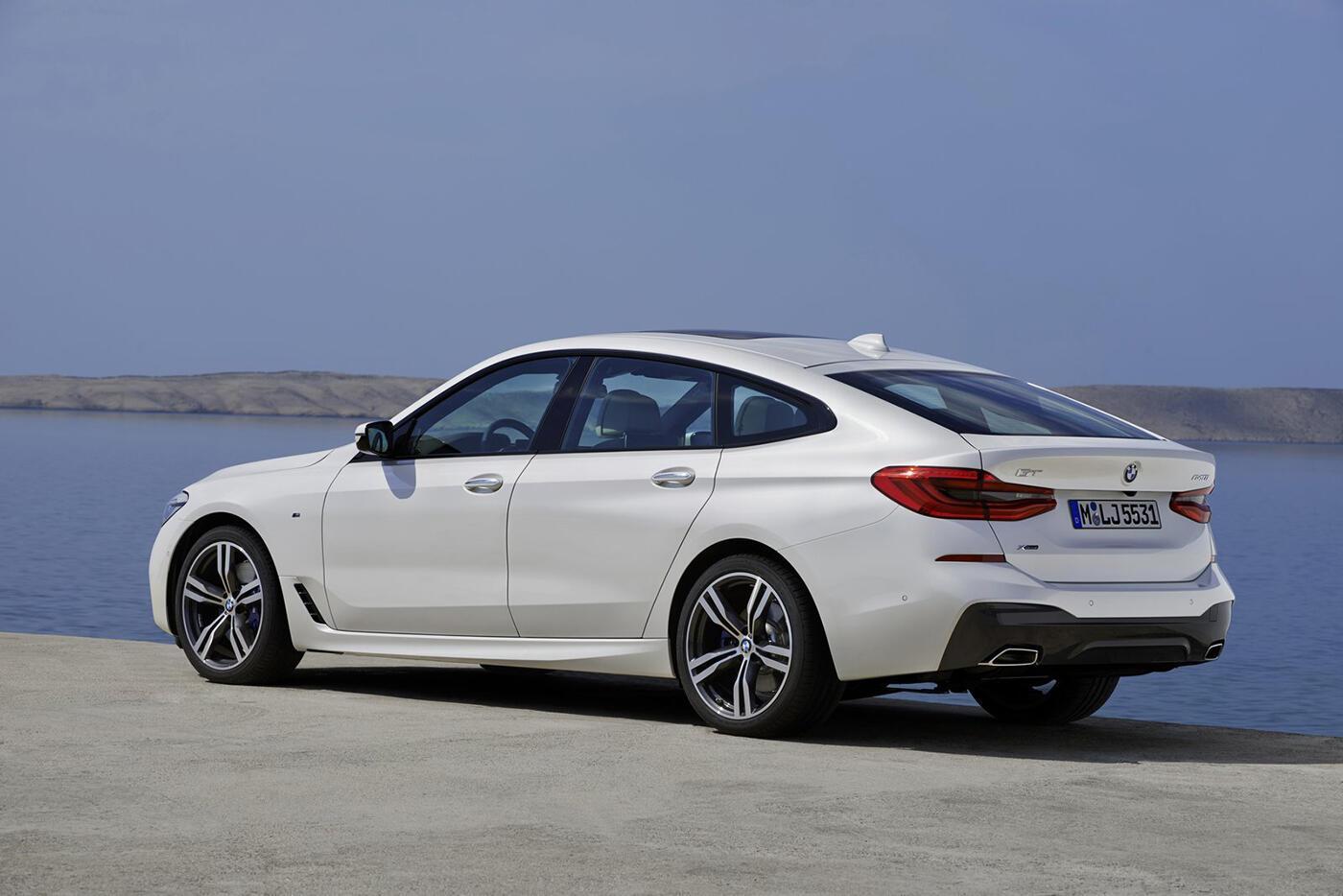 """BMW 6-Series Gran Turismo 2018 """"chốt giá"""" từ 69.700 USD - Hình 4"""