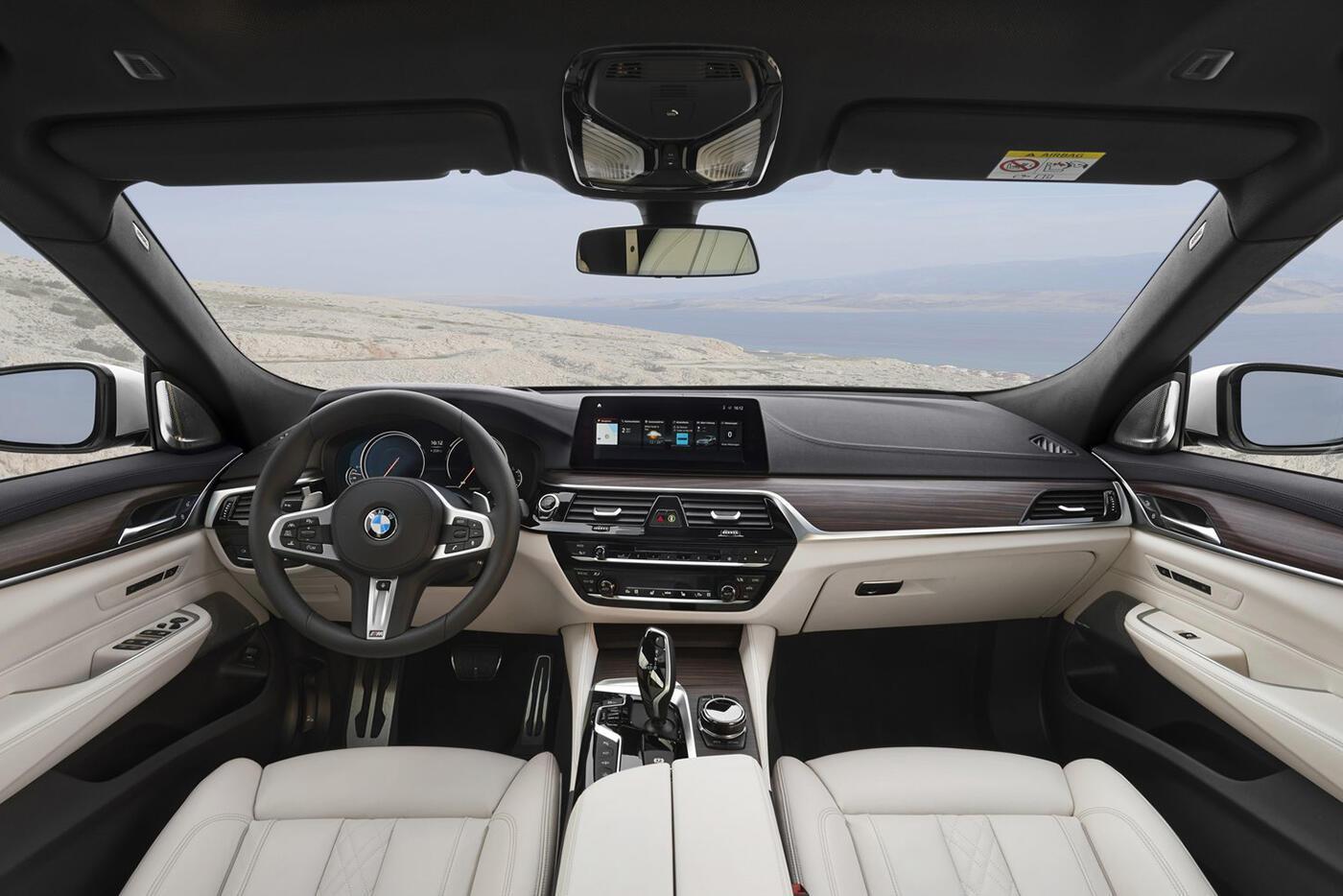 """BMW 6-Series Gran Turismo 2018 """"chốt giá"""" từ 69.700 USD - Hình 5"""