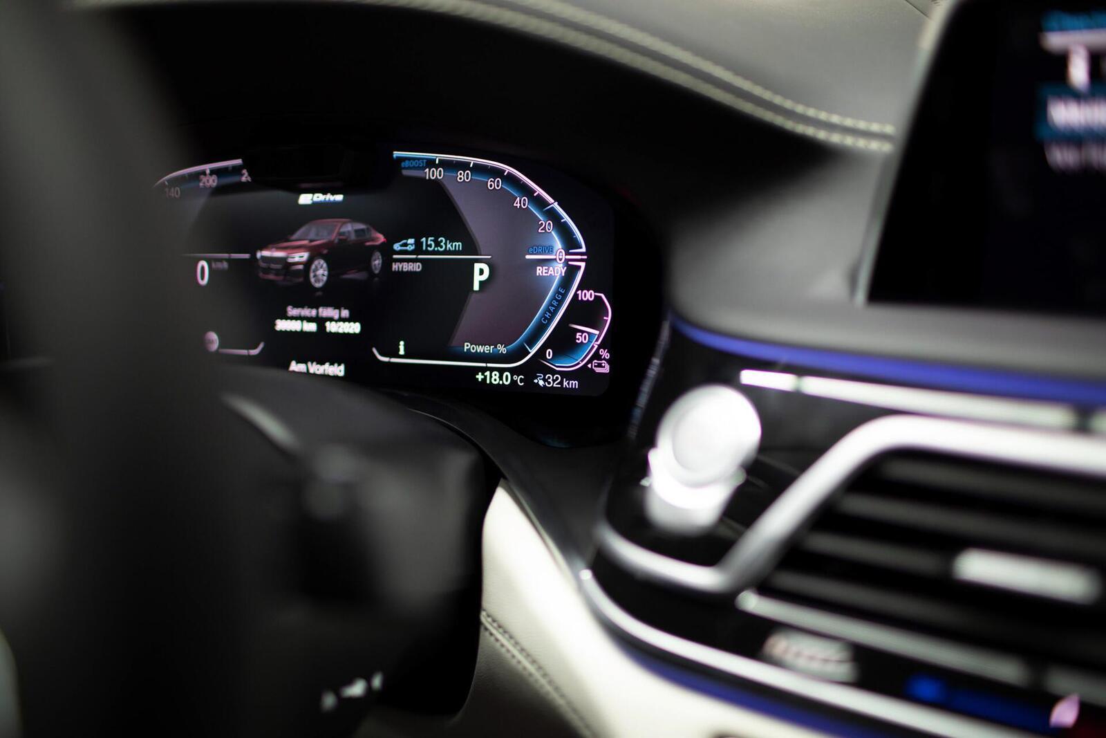 BMW giới thiệu 7 Series PHEV 2020 mới; lắp động cơ 3.0L mới thay chế cho 2.0L cũ - Hình 12