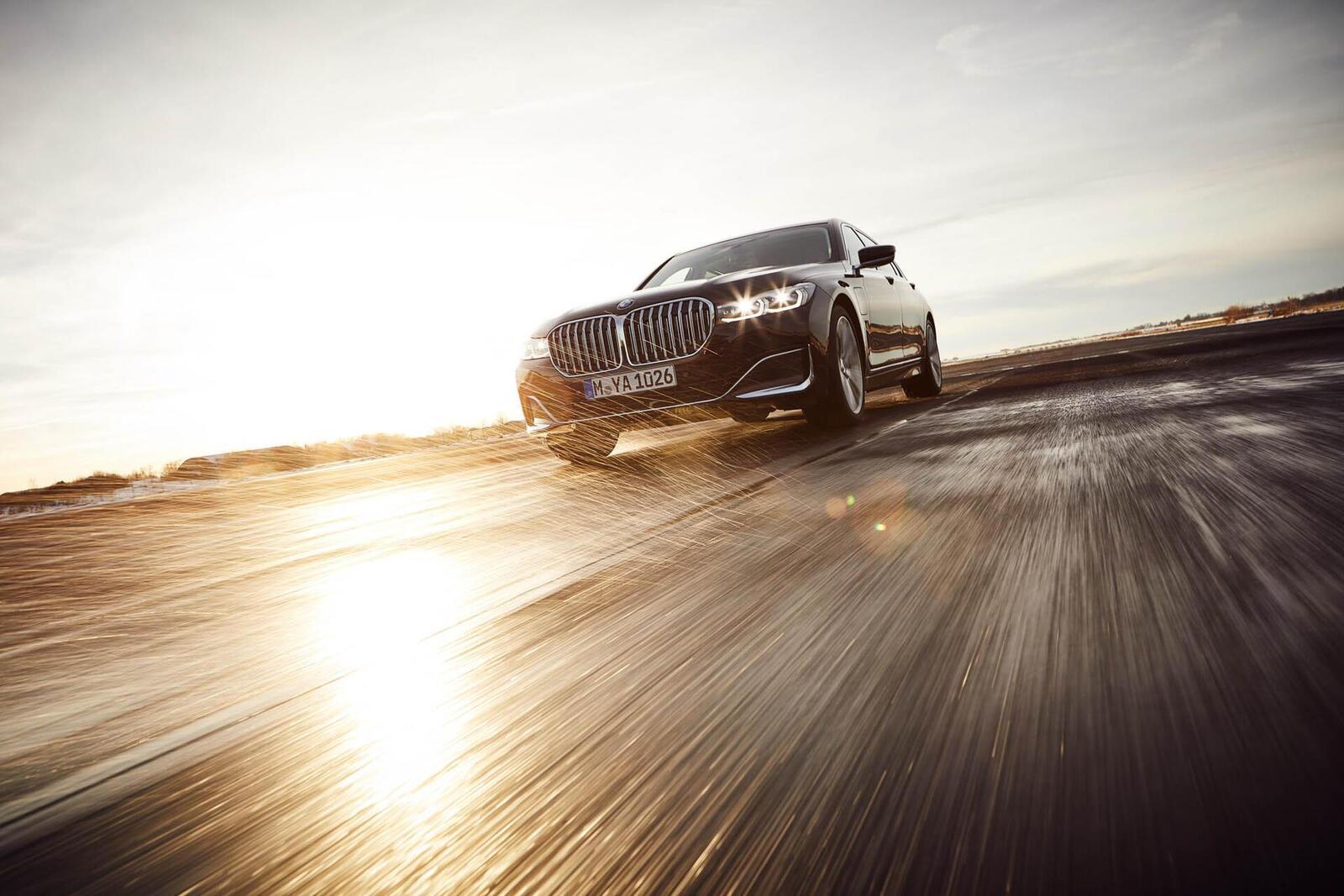 BMW giới thiệu 7 Series PHEV 2020 mới; lắp động cơ 3.0L mới thay chế cho 2.0L cũ - Hình 19