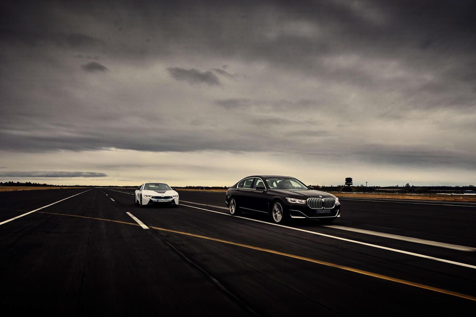 BMW giới thiệu 7 Series PHEV 2020 mới; lắp động cơ 3.0L mới thay chế cho 2.0L cũ - Hình 21