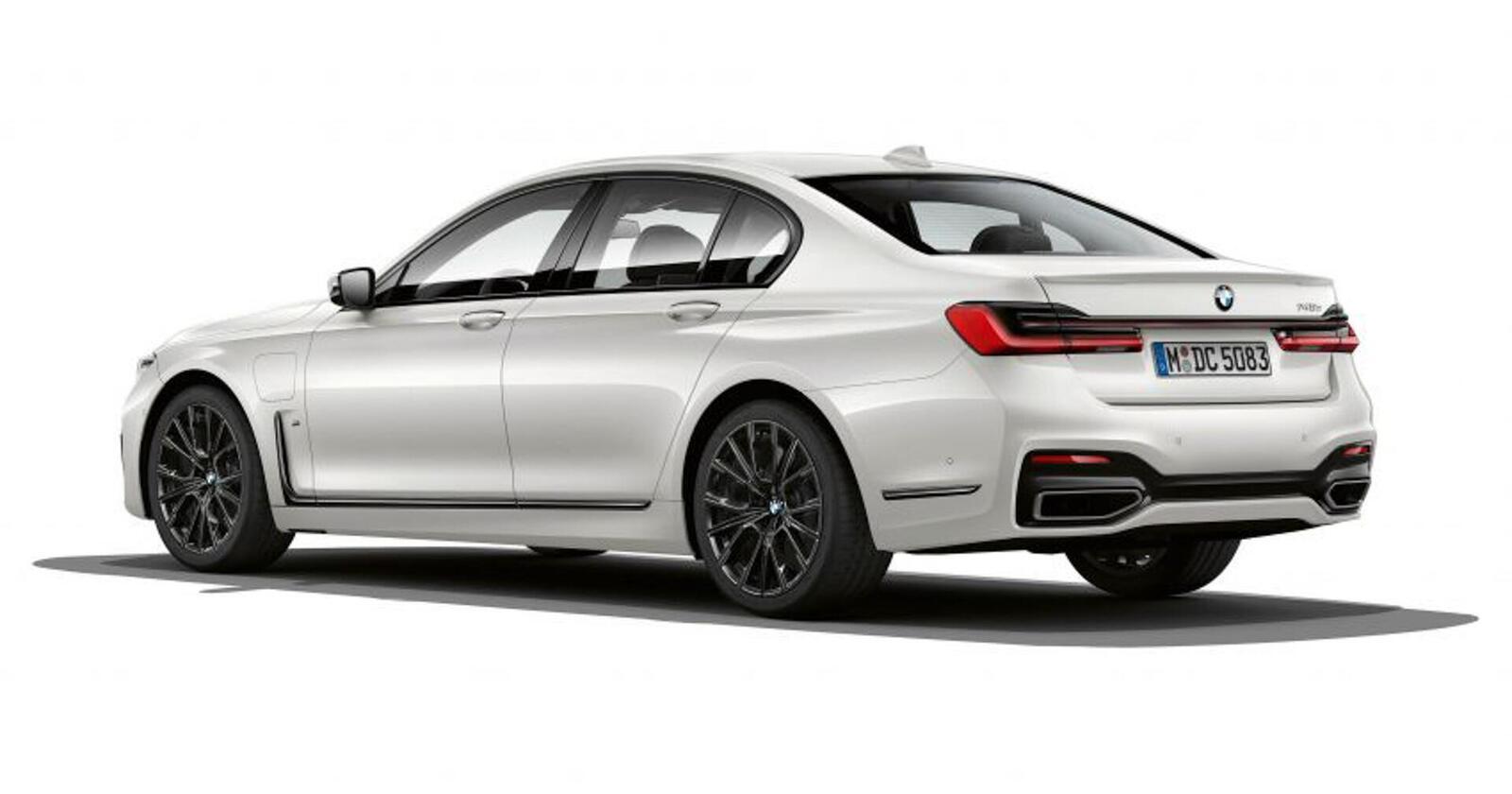 BMW giới thiệu 7 Series PHEV 2020 mới; lắp động cơ 3.0L mới thay chế cho 2.0L cũ - Hình 8