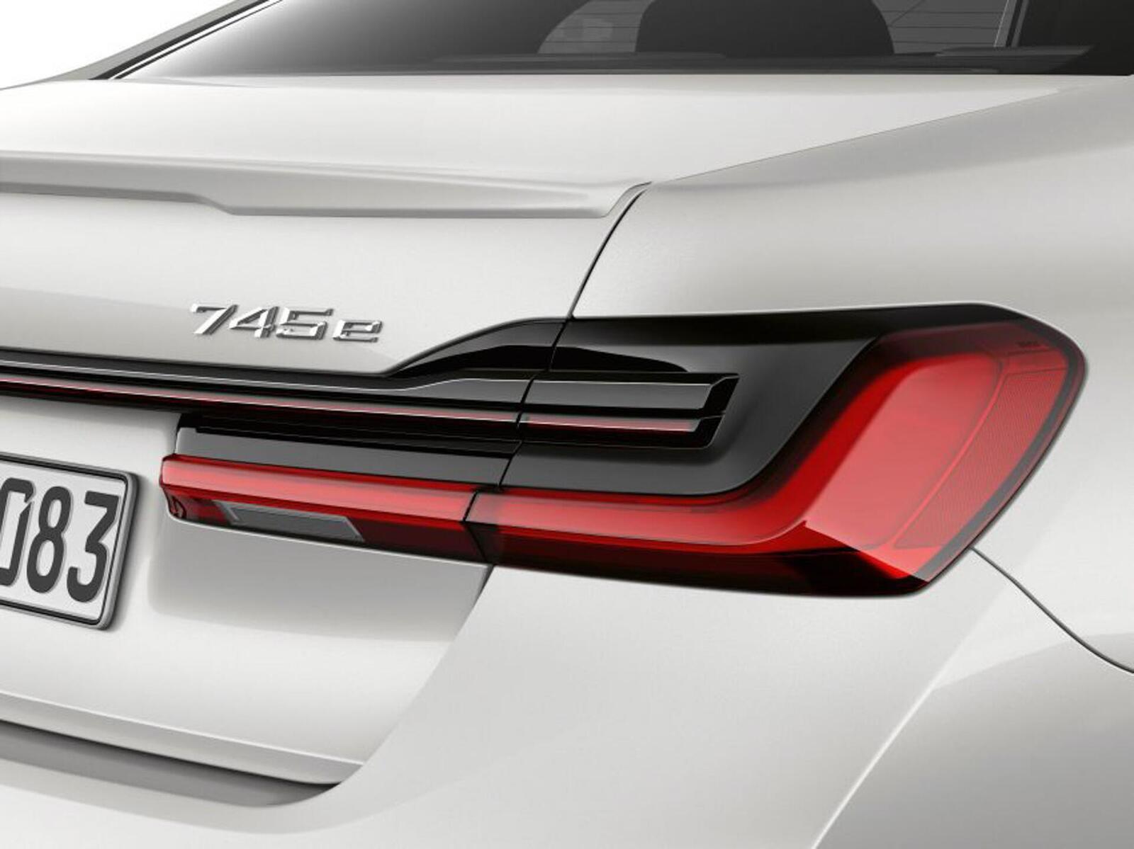 BMW giới thiệu 7 Series PHEV 2020 mới; lắp động cơ 3.0L mới thay chế cho 2.0L cũ - Hình 9