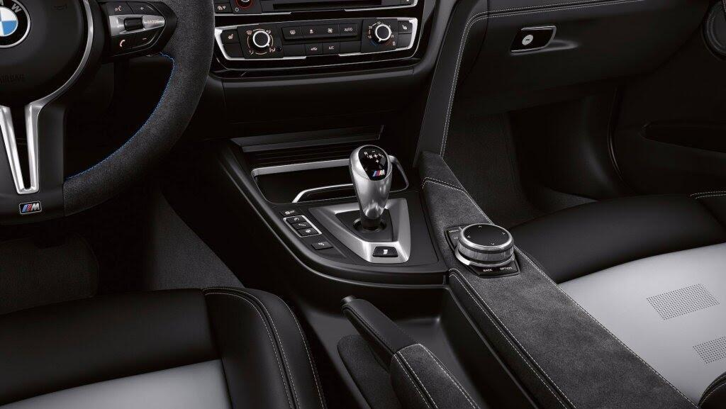 BMW giới thiệu M3 CS: Mạnh hơn, nhẹ hơn, chỉ 1200 xe được sản xuất - Hình 16