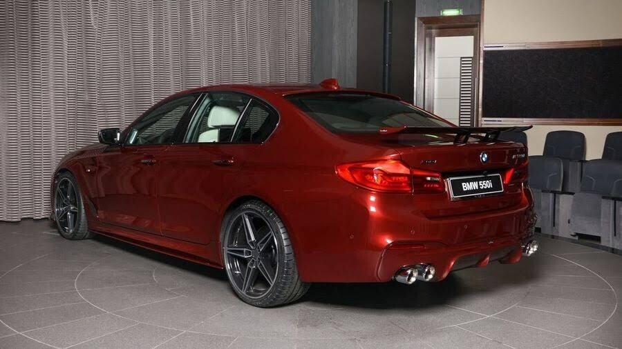 BMW M550i bắt mắt với ngoại thất Aventurine Red đỏ rực - Hình 3