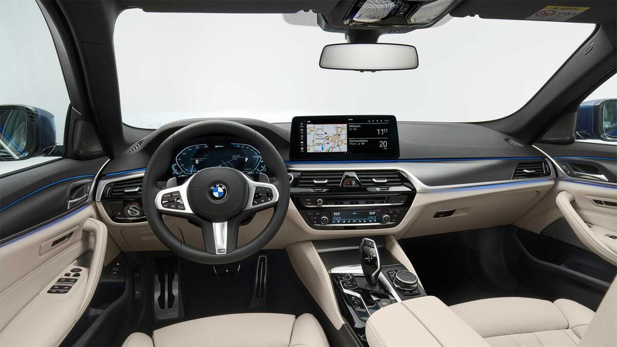 Nội thất BMW Series 5 - Hình 1
