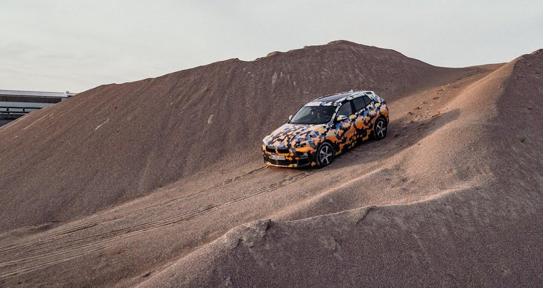 """BMW X2 2018 """"lộ"""" ảnh thực tế trên đường - Hình 1"""
