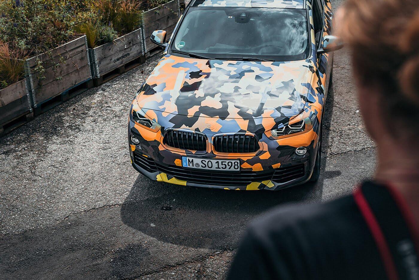 """BMW X2 2018 """"lộ"""" ảnh thực tế trên đường - Hình 3"""