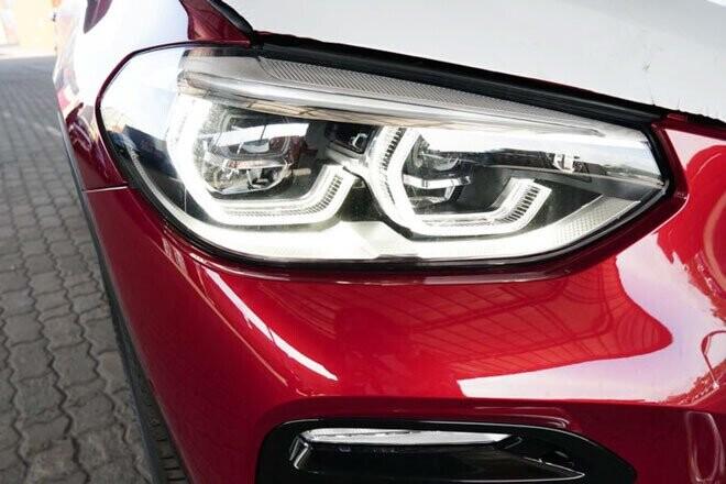 Phần đầu của BMW X4 2019 được thiết kế góc cạnh và hầm hố