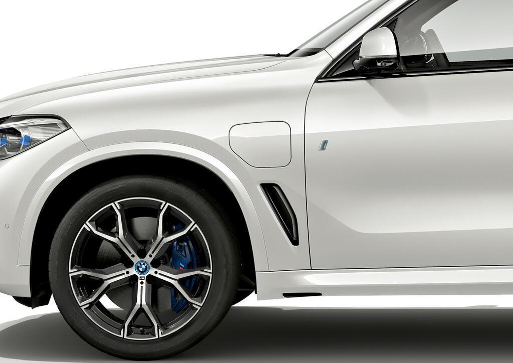 BMW X5 2019 có bản hybrid mạnh hơn, ngốn 2,1 lít/100 km - Hình 7