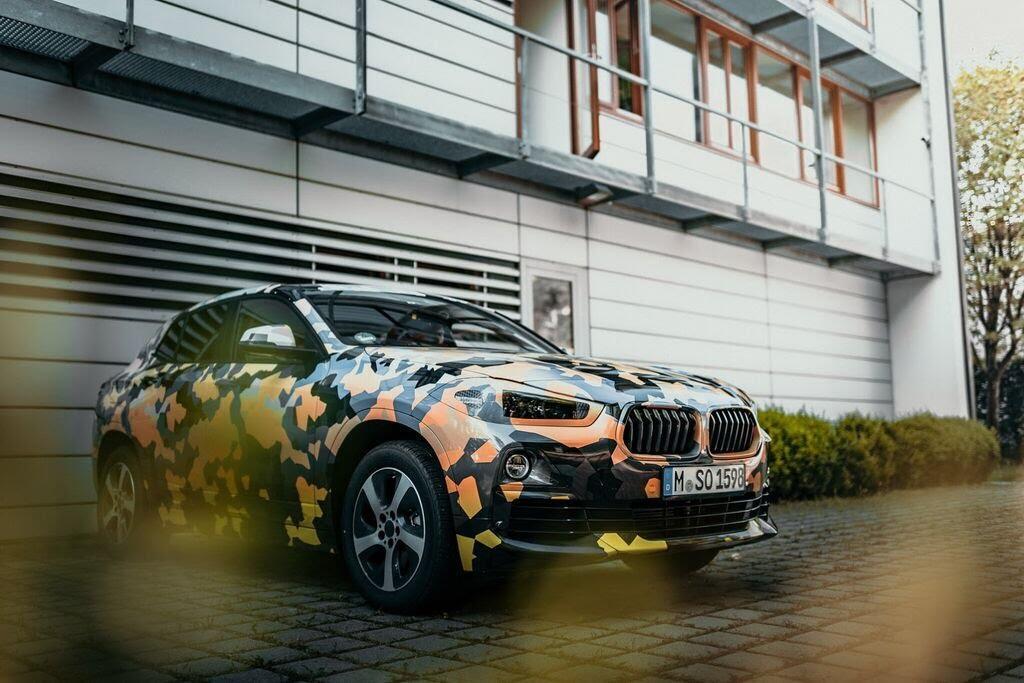 BMW X7 mới dự kiến sẽ được bán ra với ba lựa chọn động cơ - Hình 1