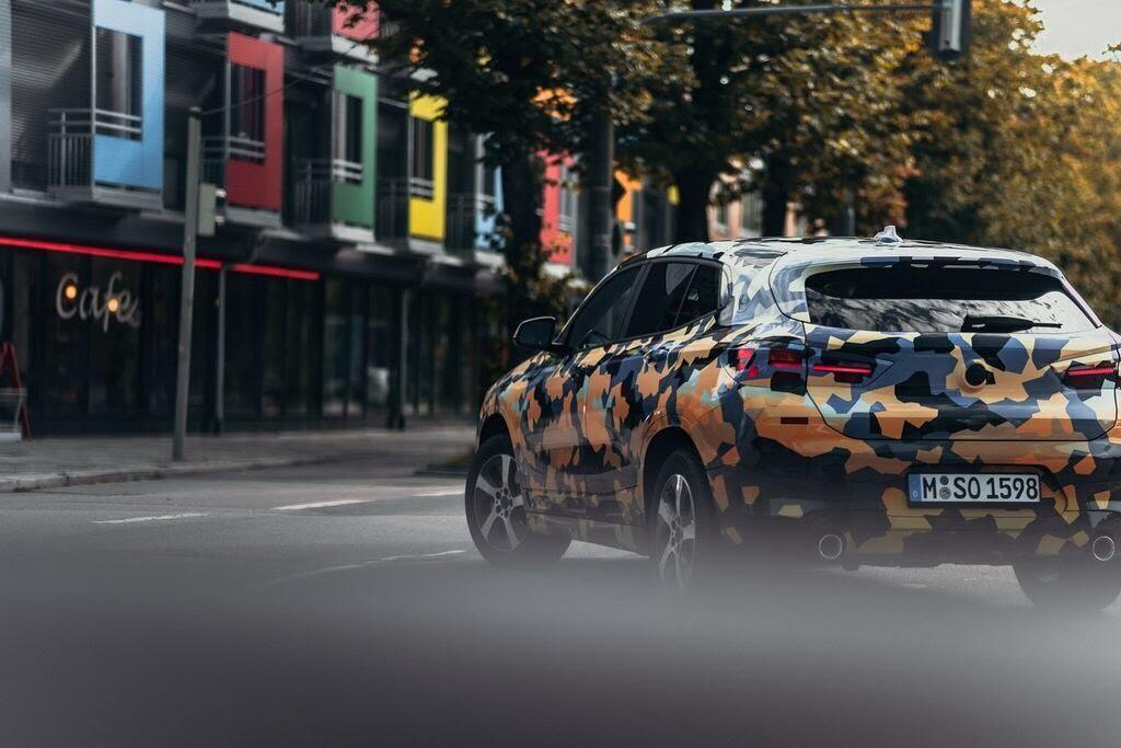 BMW X7 mới dự kiến sẽ được bán ra với ba lựa chọn động cơ - Hình 2