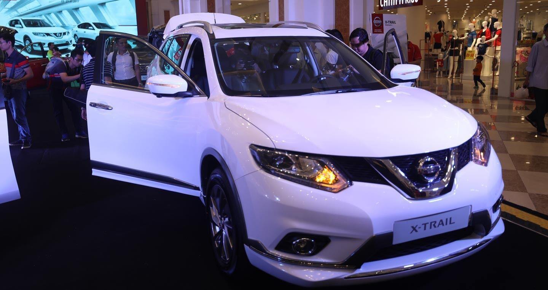 Bộ đôi Nissan X-Trail và Sunny phiên bản cao cấp ra mắt thị trường Việt - Hình 1