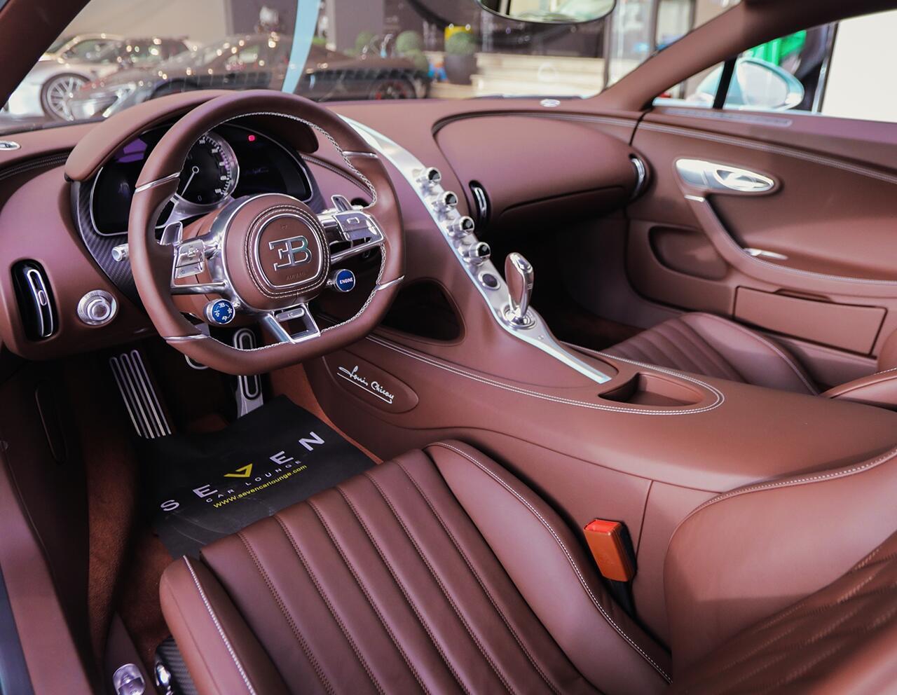 bugatti-chiron-co-1-khong-2-tren-the-gioi-dang-duoc-chao-ban-o-a-rap-xeut-10.jpg