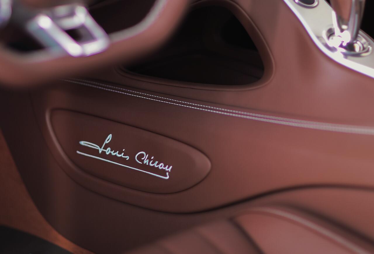 bugatti-chiron-co-1-khong-2-tren-the-gioi-dang-duoc-chao-ban-o-a-rap-xeut-4.jpg