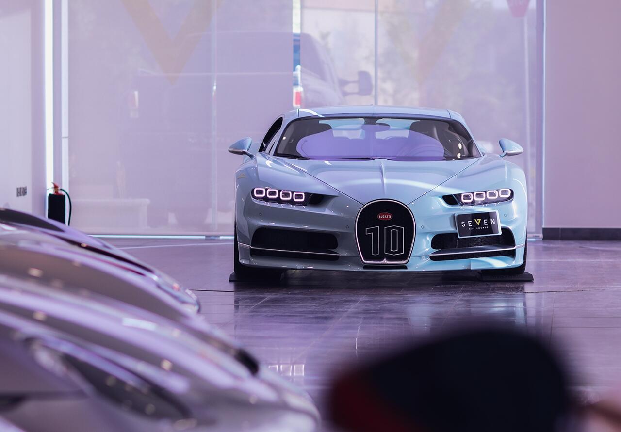 bugatti-chiron-co-1-khong-2-tren-the-gioi-dang-duoc-chao-ban-o-a-rap-xeut-6.jpg