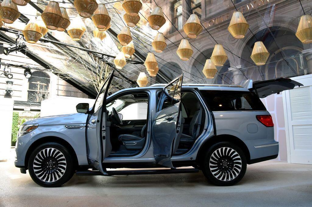 Các chuyên gia Consumer Reports nói gì về Lincoln Navigator mới nhất? - Hình 1