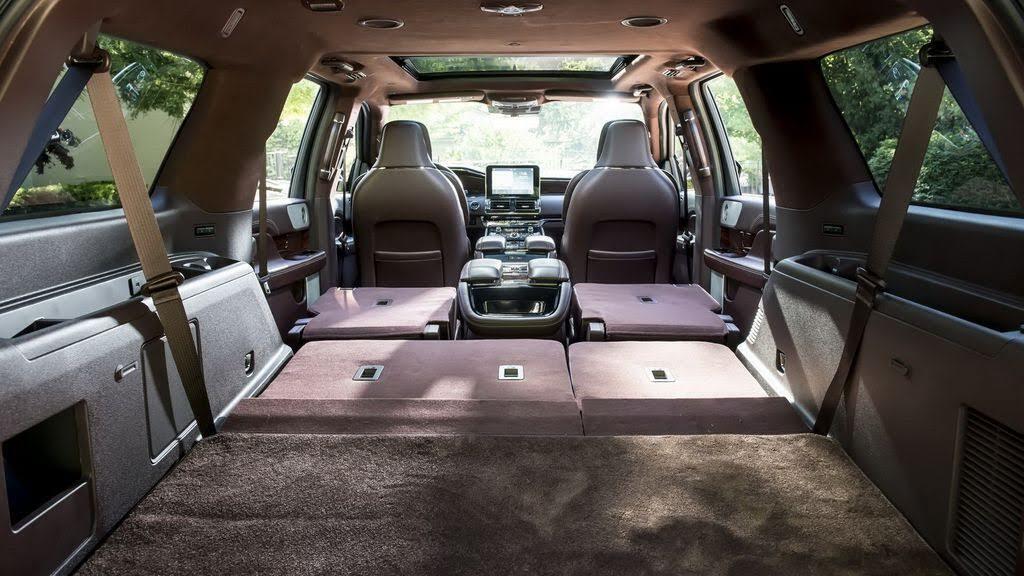Các chuyên gia Consumer Reports nói gì về Lincoln Navigator mới nhất? - Hình 3