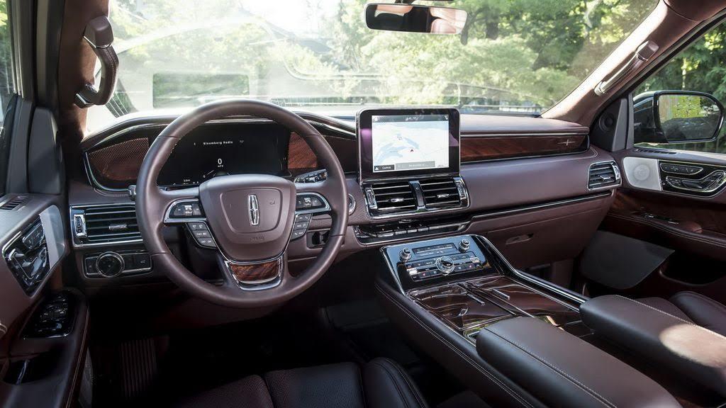 Các chuyên gia Consumer Reports nói gì về Lincoln Navigator mới nhất? - Hình 4