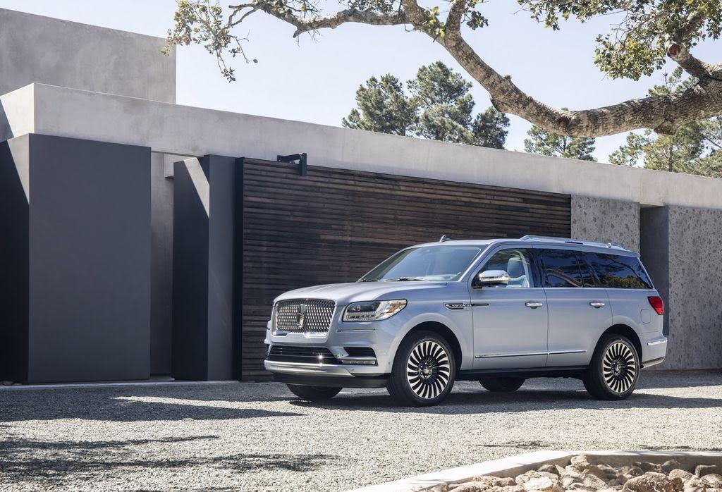 Các chuyên gia Consumer Reports nói gì về Lincoln Navigator mới nhất? - Hình 5