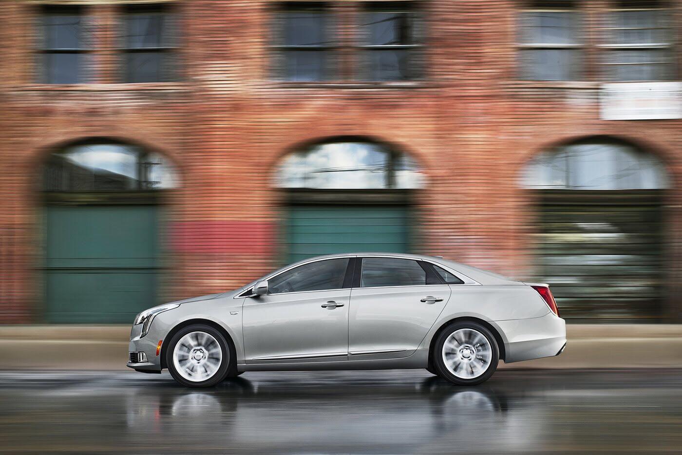 Cadillac XTS 2018 lộ diện với thiết kế hoàn toàn mới - Hình 2