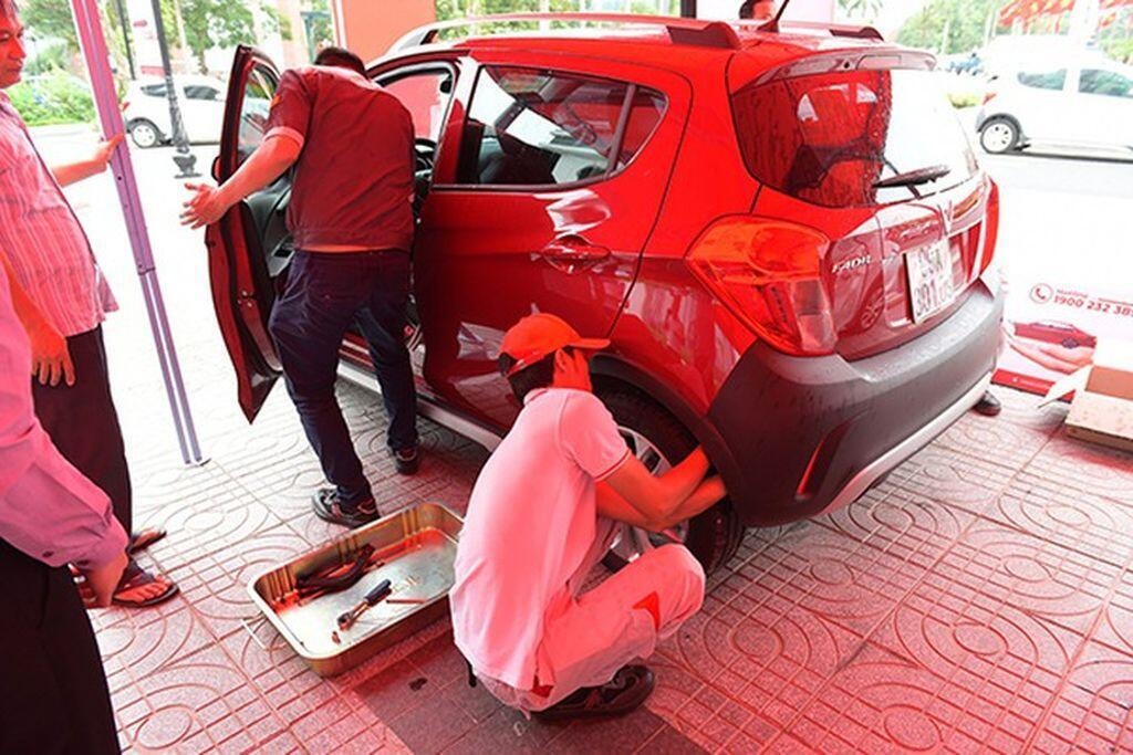 Café roadshow - cách tiếp cận khách hàng độc đáo của hãng xe Việt VinFast-2.jpg