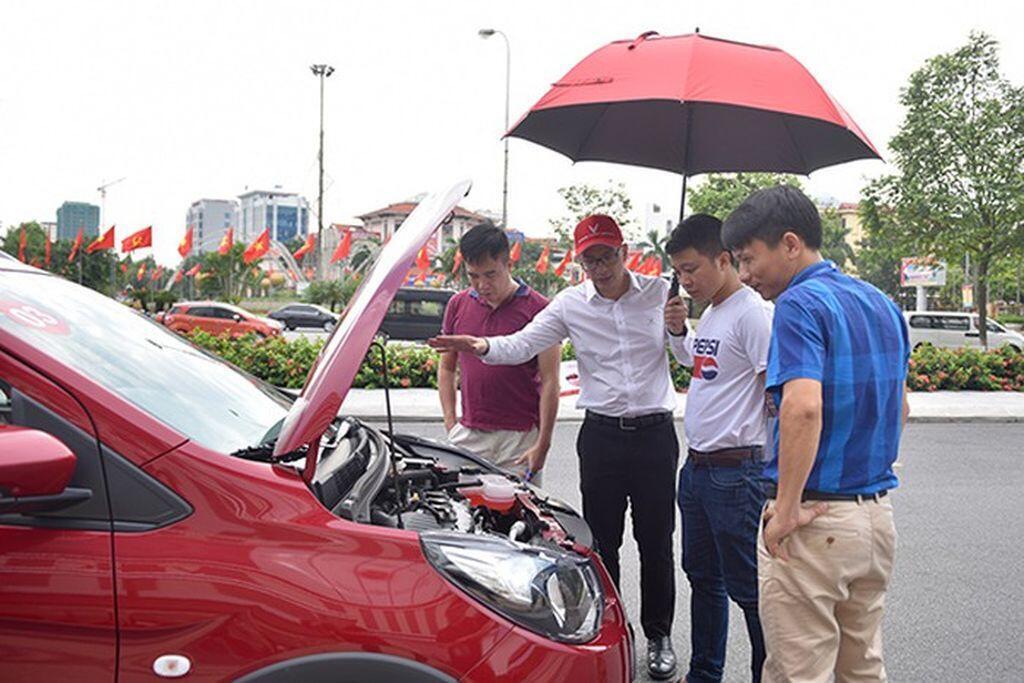 Café roadshow - cách tiếp cận khách hàng độc đáo của hãng xe Việt VinFast-3.jpg
