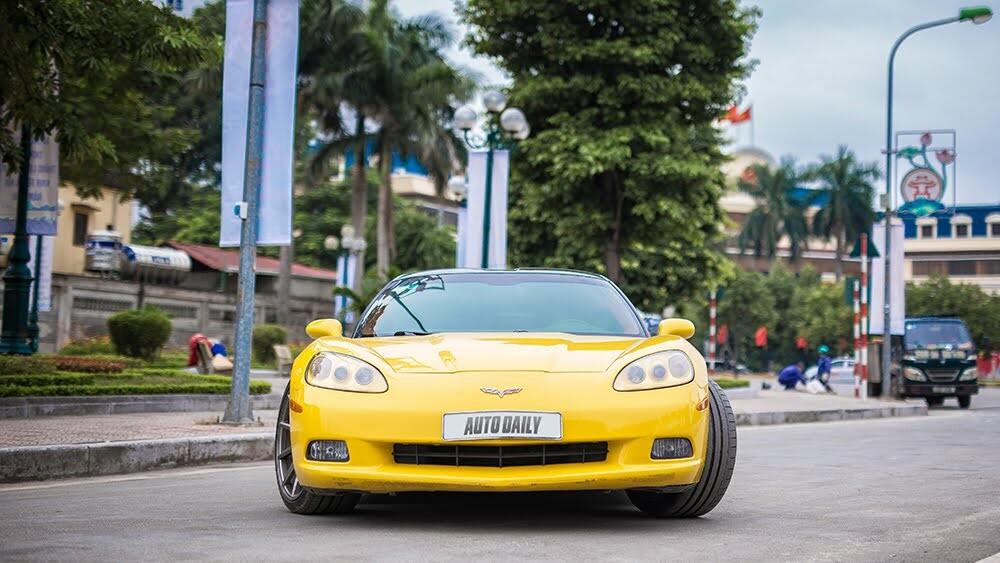 ''Cầm cương'' Chevrolet Corvette C6: Cơ bắp Mỹ đúng điệu - Hình 2