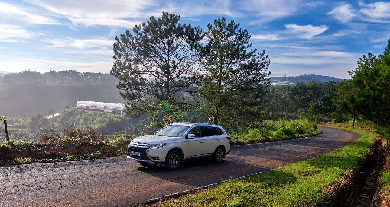 """Cầm lái Mitsubishi Outlander """"từ phố lên rừng"""" (P.1) - Hình 2"""