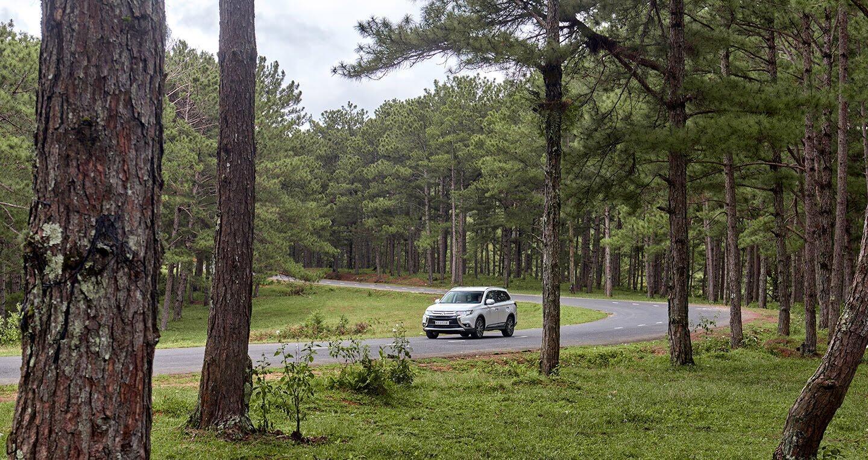 """Cầm lái Mitsubishi Outlander """"từ phố lên rừng"""" (P.2) - Hình 15"""