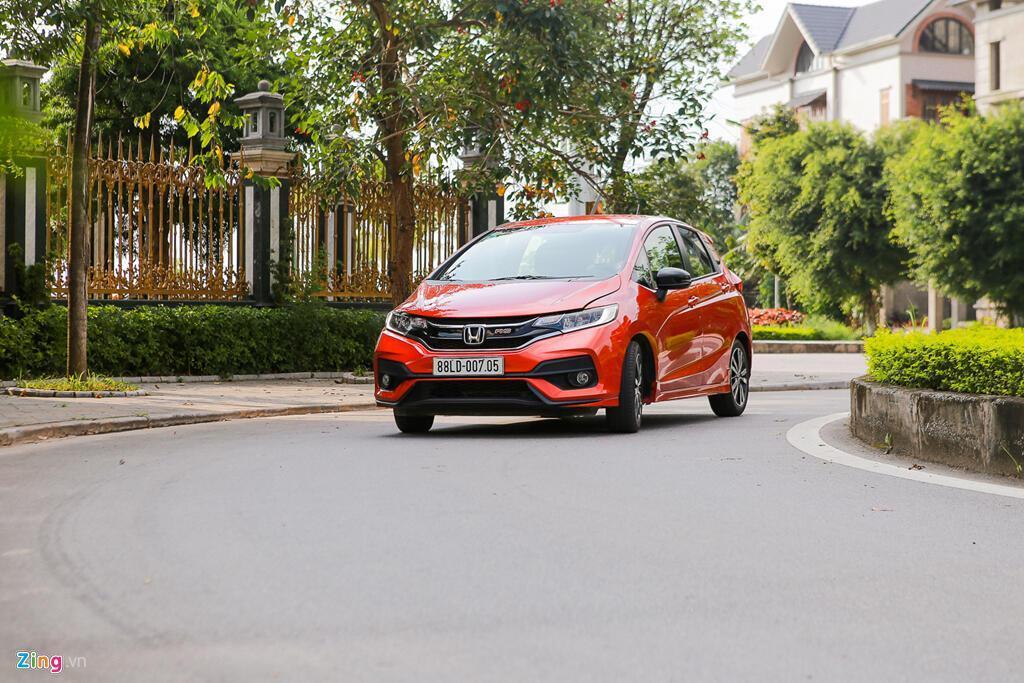 Cảm nhận Honda Jazz: Xe nhập nhỏ gọn cho phụ nữ - Hình 1