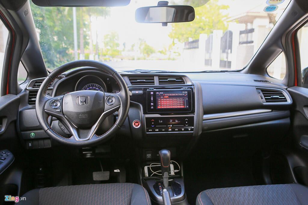 Cảm nhận Honda Jazz: Xe nhập nhỏ gọn cho phụ nữ - Hình 2