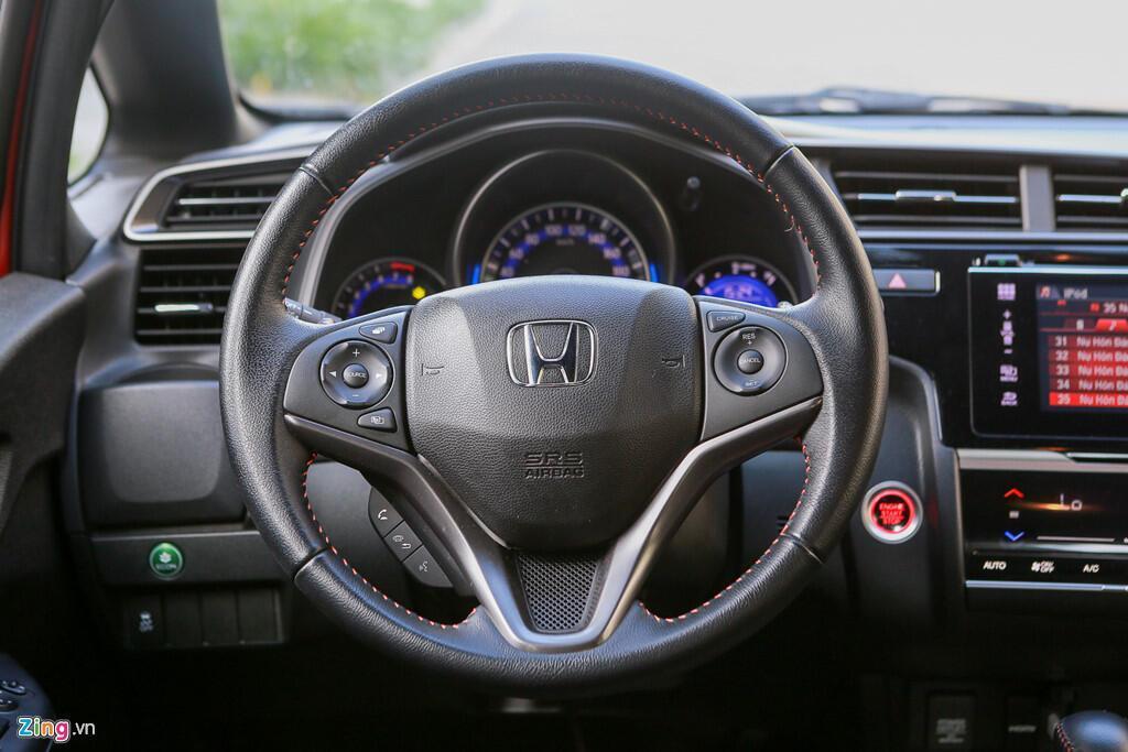 Cảm nhận Honda Jazz: Xe nhập nhỏ gọn cho phụ nữ - Hình 3