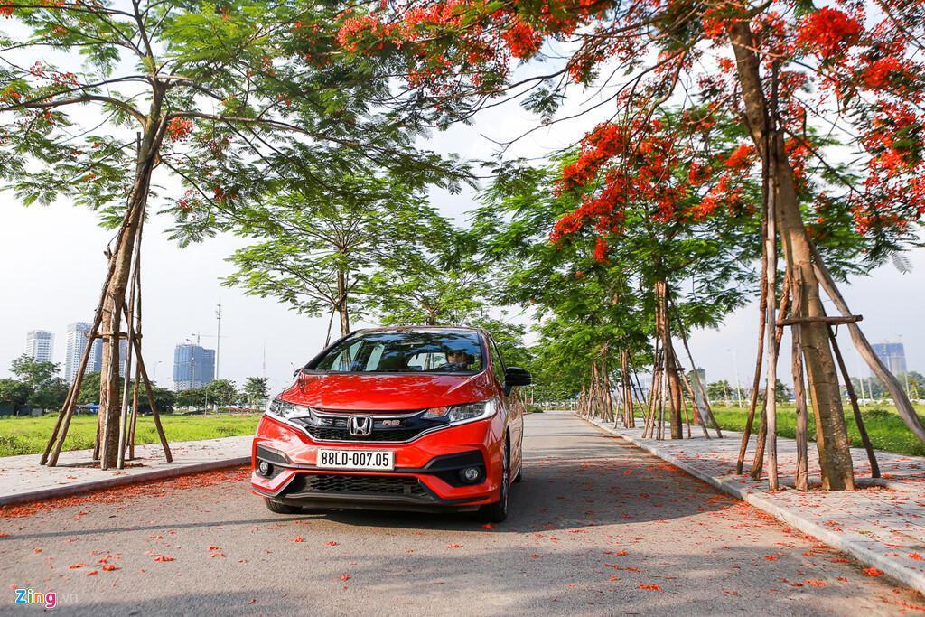Cảm nhận Honda Jazz: Xe nhập nhỏ gọn cho phụ nữ - Hình 5